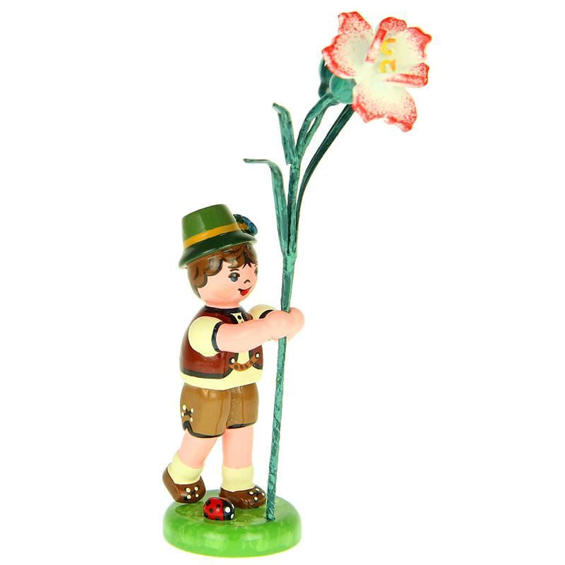 Junge mit Nelke